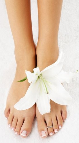 feet with madonna lily